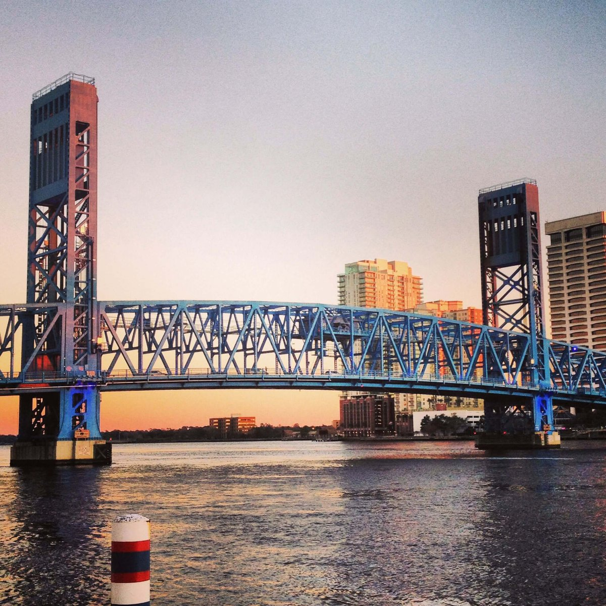 Draw Bridge in Jacksonville, FL